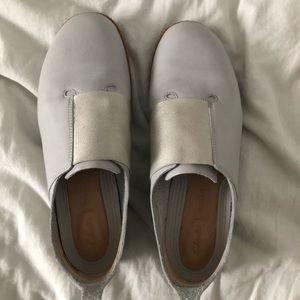 Clark's beautiful light grey leather slips